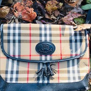 Authentic vintage Burberry purse 👜